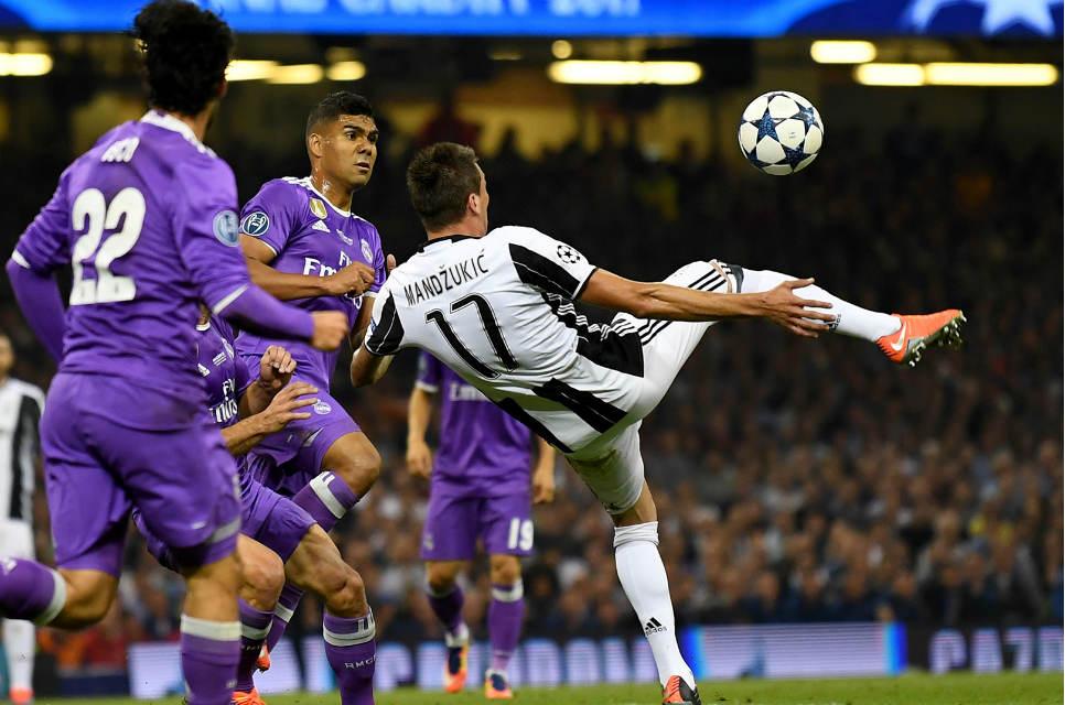 Gol salto Mandzukic yang menyamakan kedudukan Real Madrid